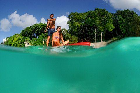 SUP cruising aqua couple LNP_0190
