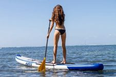 ALICE ARUTKIN & TATIANA WESTON – SUP & SURFING IN MAUI