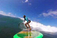 SUZIE COONEY SUMMER SUP SURFING FUN ON MAUI