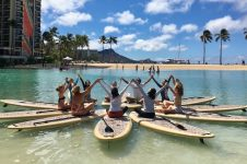 SUP YOGA CLASS IN WAIKIKI WITH YUMI YOGA