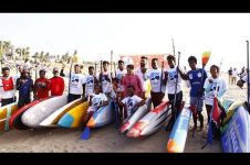 STAND-UP PADDLE RALLY FOR OCEAN CLEAN UP