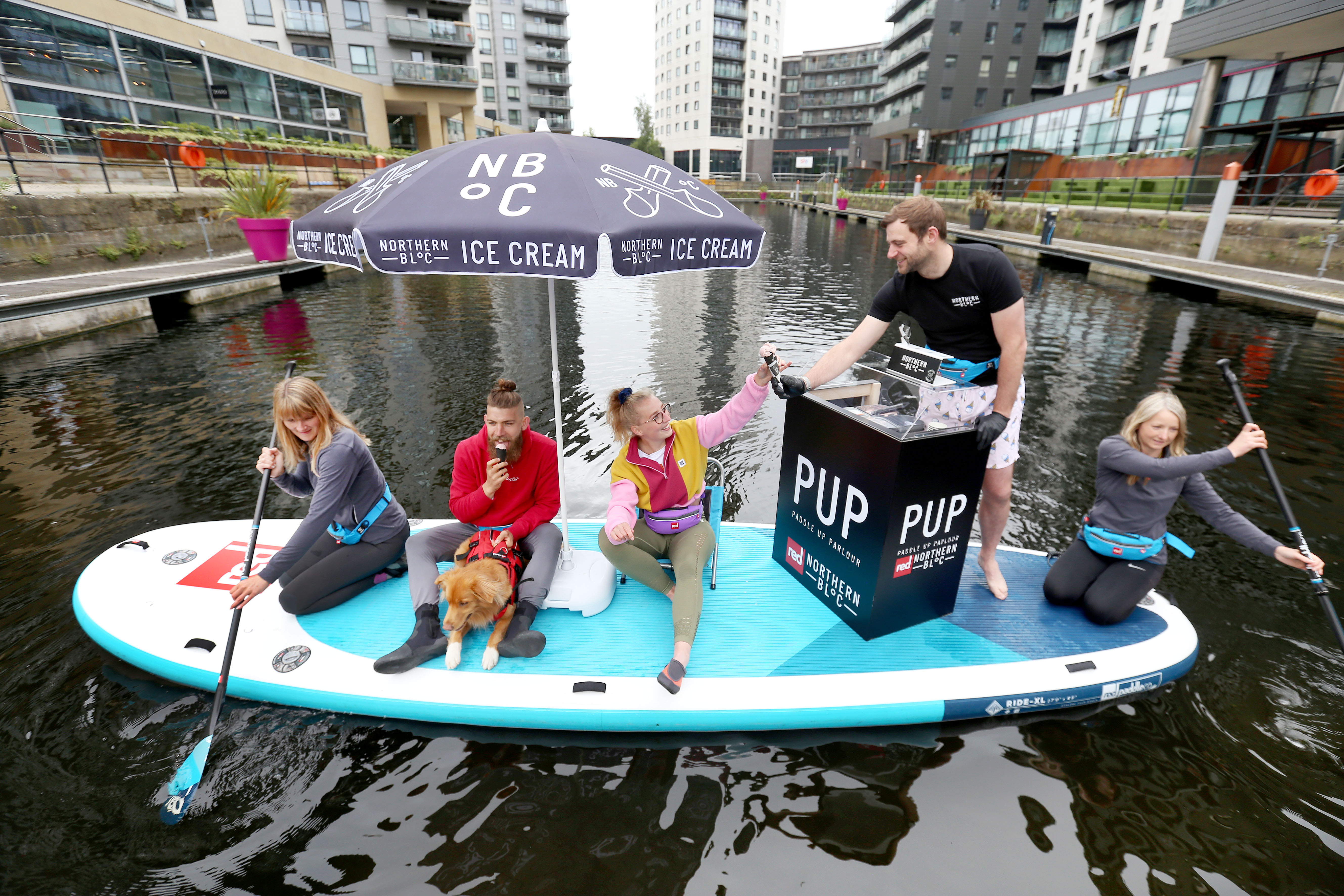 Guz_Launch_Of_Worlds_First_Paddleboat_Ice_Cream_Parlour-015