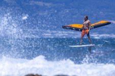 S26WING_Action_Wing-SurferMatador_HoverWingFoil_RobbyNaish_FrankieBees_FBEE2307_HiRes_RGB